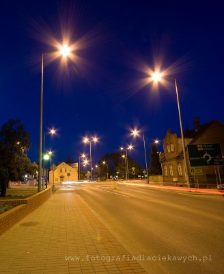 Zdjęcia nocne - gwiazdy na lampach - F8