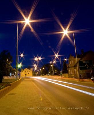 Zdjęcia nocne - gwiazdy na lampach - F22