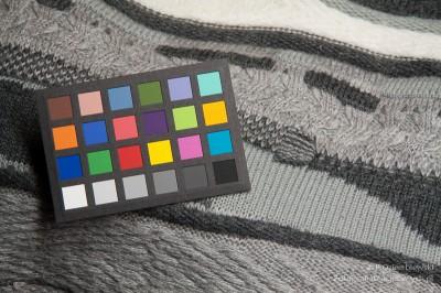 Test barwy - świetlówka liniowa obarwie 950