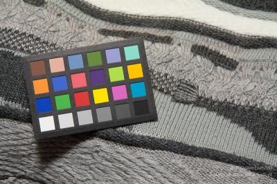 Test barwy - kompaktowa świetlówka fotograficzna