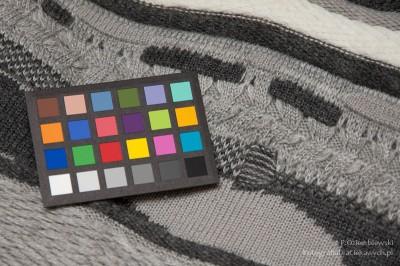 Test barwy - światło zlampy błyskowej