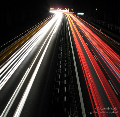 Światła samochodów