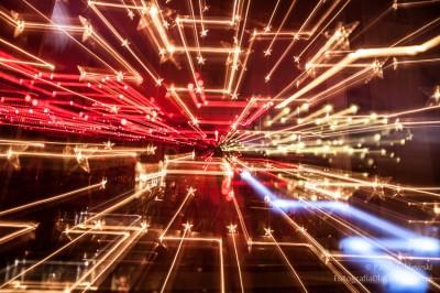 Gwiezdny tunnel - zdjęcie z zoomowaniem i ...