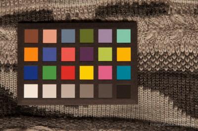 Świetlówka liniowa dozdjęć - test TL-D barwa 930 seria De Luxe