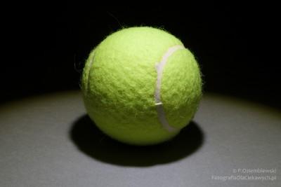 Efekt oświetlenia piłki