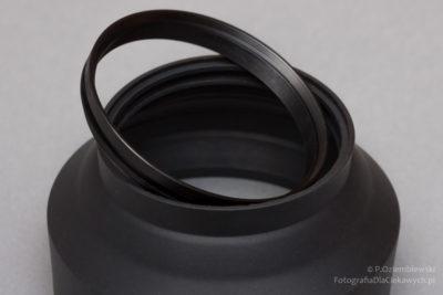 Gumowa osłona przeciwsłoneczna zwyjętym pierścieniem