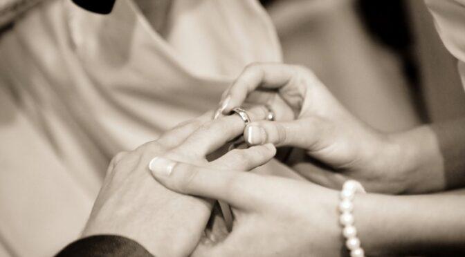 Wykonywanie zdjęć podczas ceremonii ślubnej – O czym warto wiedzieć?
