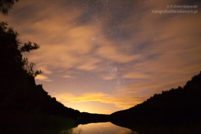 Nocne zdjęcie nadjeziorem Strzeleckim wChodzieży