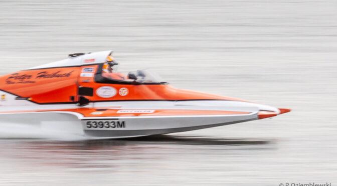 Jak pokazać prędkość, czyli panoramowanie na zawodach motorowodnych
