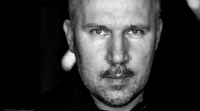 Portret - zdjęcie czarno-białe