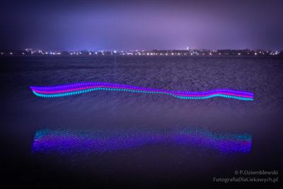 Malowanie światłem nadwodą - kolorowe światełka