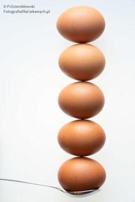 Pięć jaj.