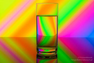 Fotografowanie szkła - kolorowe tło