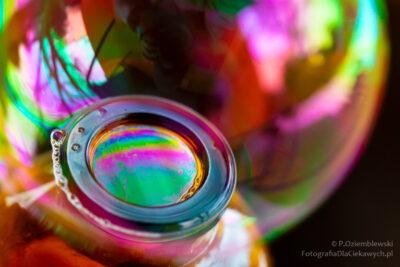 Bańka mydlana wbarwach tęczy